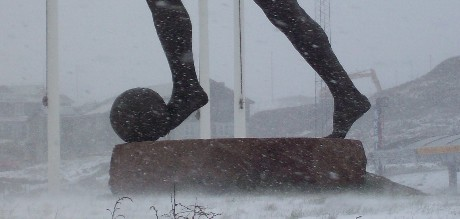 Hans Pauli Olsen's sculpture (cropped image) was yet again the lonely figure in Gundadalur Stadium in Tórshavn today.